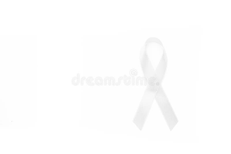 Cintas blancas de la conciencia del campo común todo el cáncer Concepto de la salud fotografía de archivo