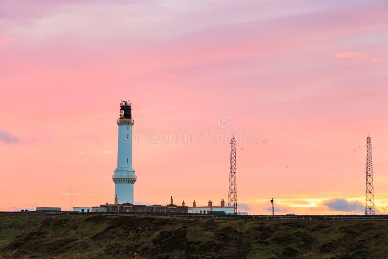 Cinte o farol do Ness durante o nascer do sol em Aberdeen, Escócia Reino Unido foto de stock royalty free