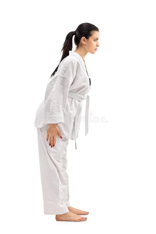 Cintrage martial femelle d'artiste images stock
