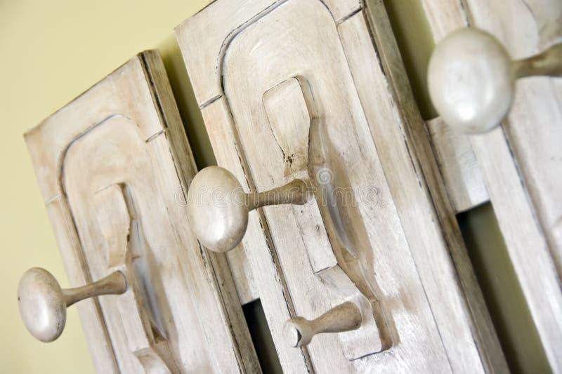 Cintre en bois images libres de droits