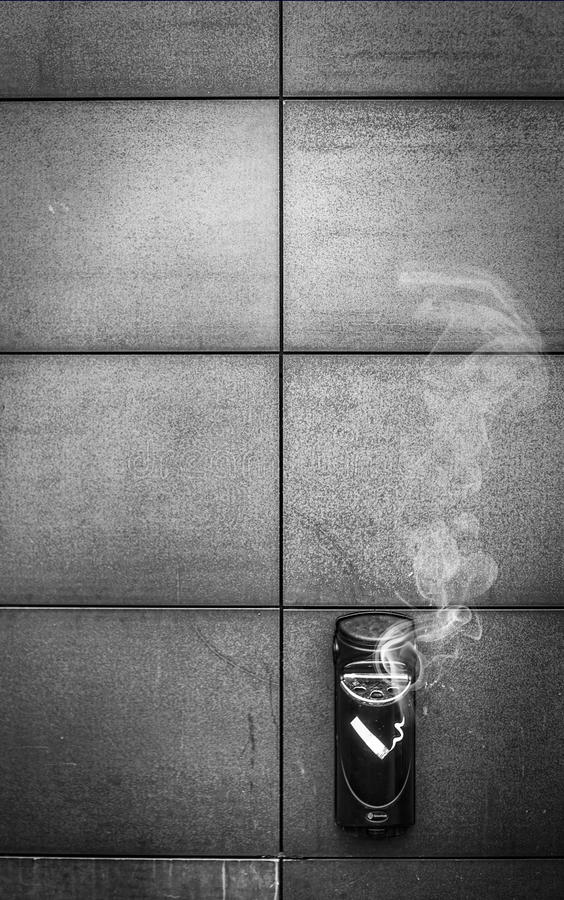 Cinzeiro do cigarro foto de stock royalty free