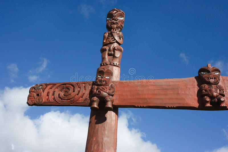 Cinzeladura tradicional maori de Nova Zelândia foto de stock