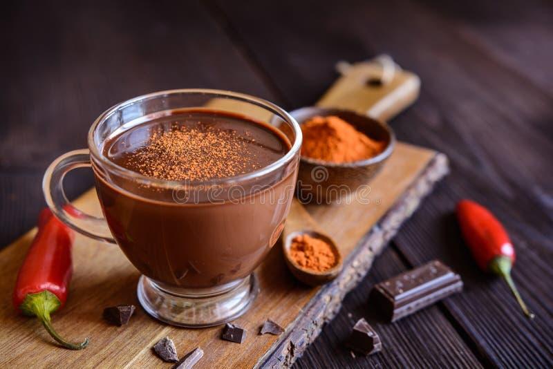 Cioccolata calda con peperoncino rosso immagine stock