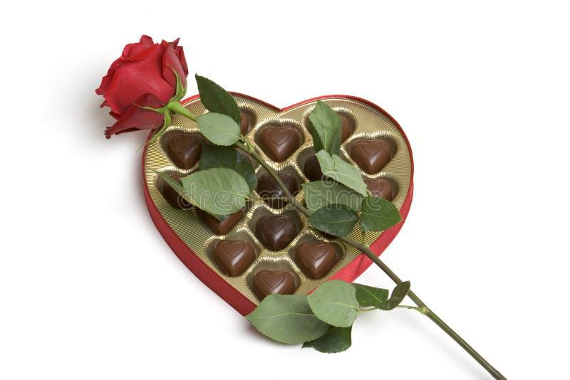 Cioccolato della Rosa dei biglietti di S. Valentino immagini stock libere da diritti