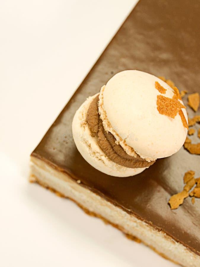 Cioccolato della torta con i vari tipi di creme fotografie stock libere da diritti