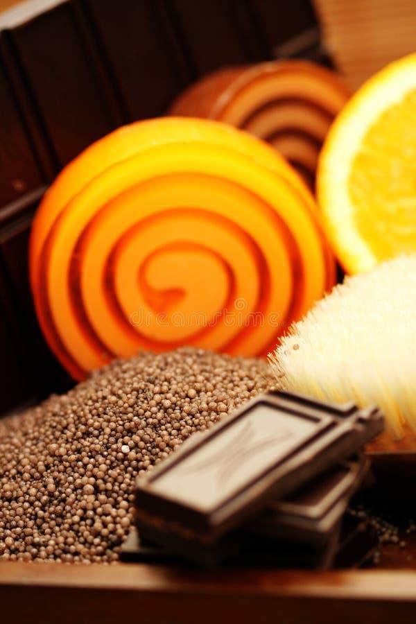 Cioccolato e saponi arancioni immagini stock
