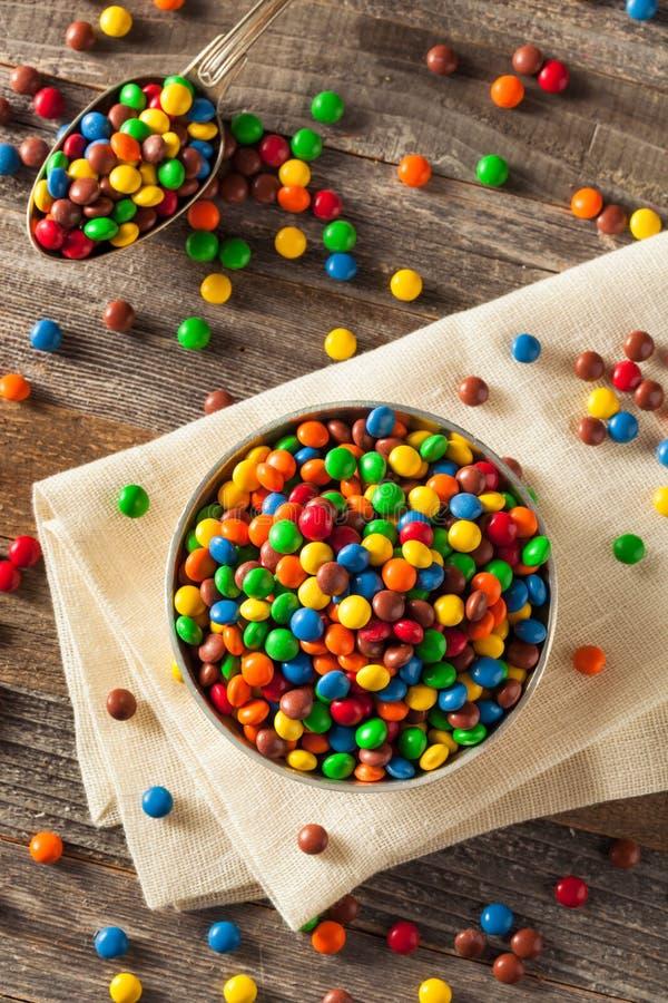 Cioccolato rivestito variopinto di Candy dell'arcobaleno fotografie stock