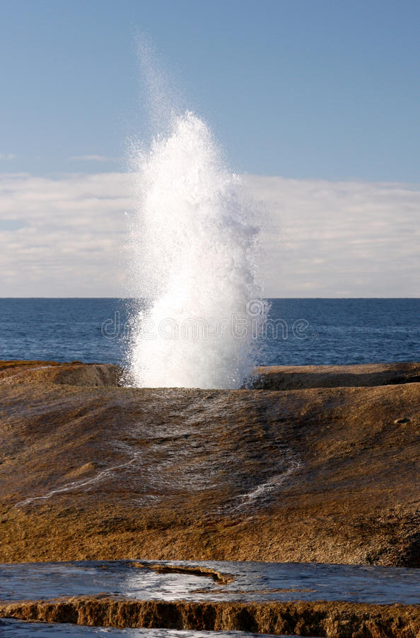 Cios dziura na Tasmanian wybrzeżu obrazy stock