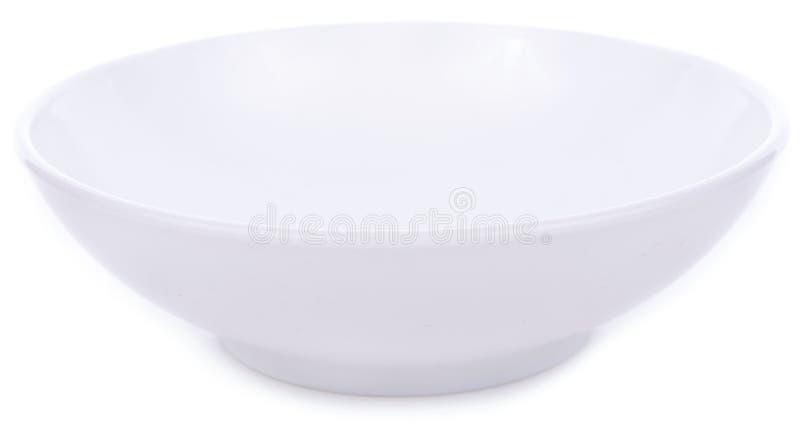 Ciotola bianca della ceramica isolata su fondo bianco fotografie stock libere da diritti