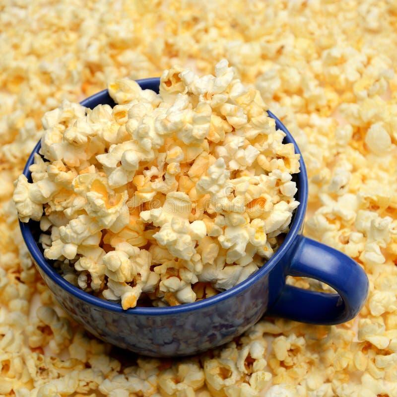 Ciotola del popcorn fotografia stock libera da diritti