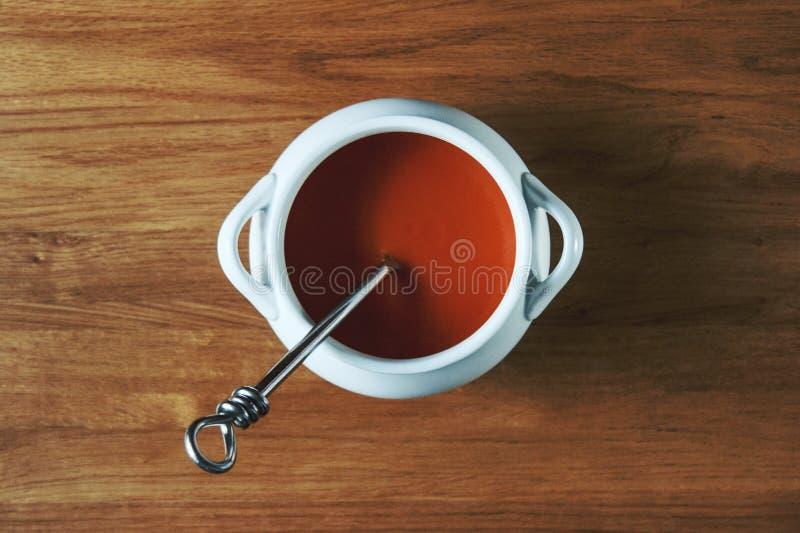 Ciotola di minestra del pomodoro fotografia stock libera da diritti