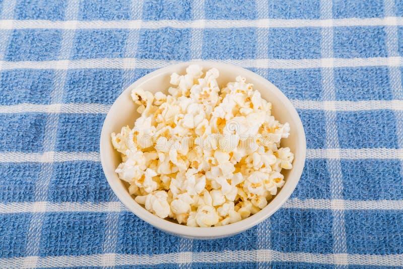 Ciotola di popcorn fotografie stock