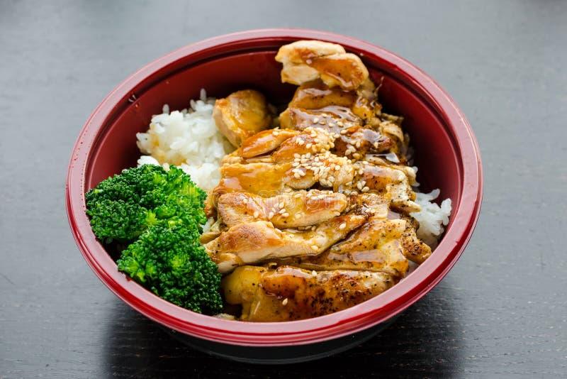 Ciotola di Teriyaki del pollo immagini stock libere da diritti