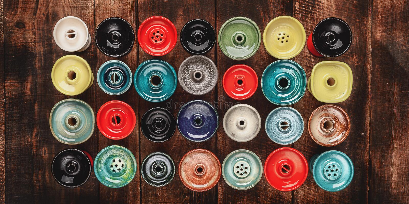 Ciotola per il narghilé su fondo di legno fotografie stock libere da diritti