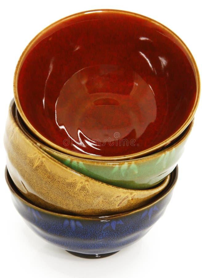 Ciotole di ceramica asiatiche variopinte fotografie stock libere da diritti