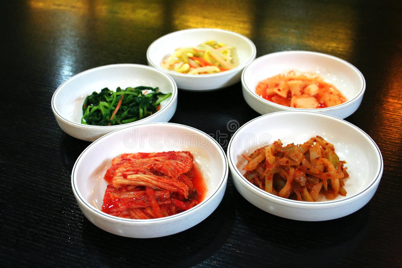 Ciotole di kimchi fotografie stock libere da diritti