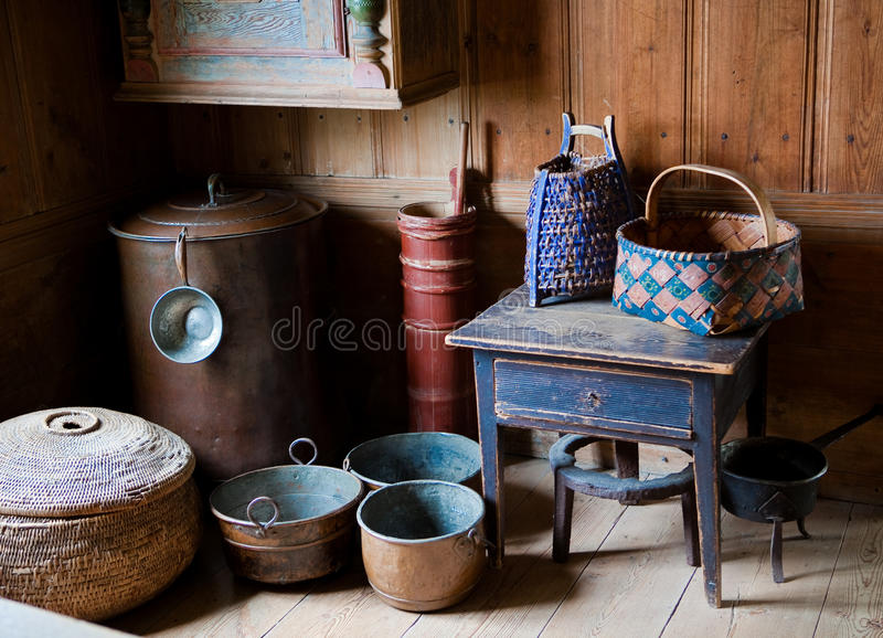 Ciotole e cestini svedesi antichi fotografie stock libere da diritti