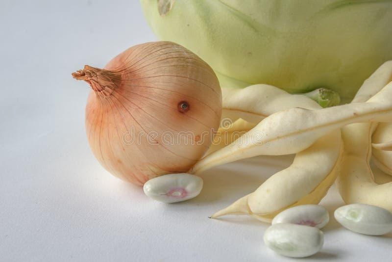 Cipolle e fagioli immagine stock