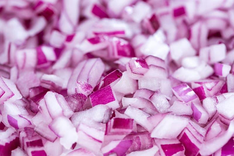 Cipolle rosse tagliate (immagine di sfondo) fotografie stock libere da diritti