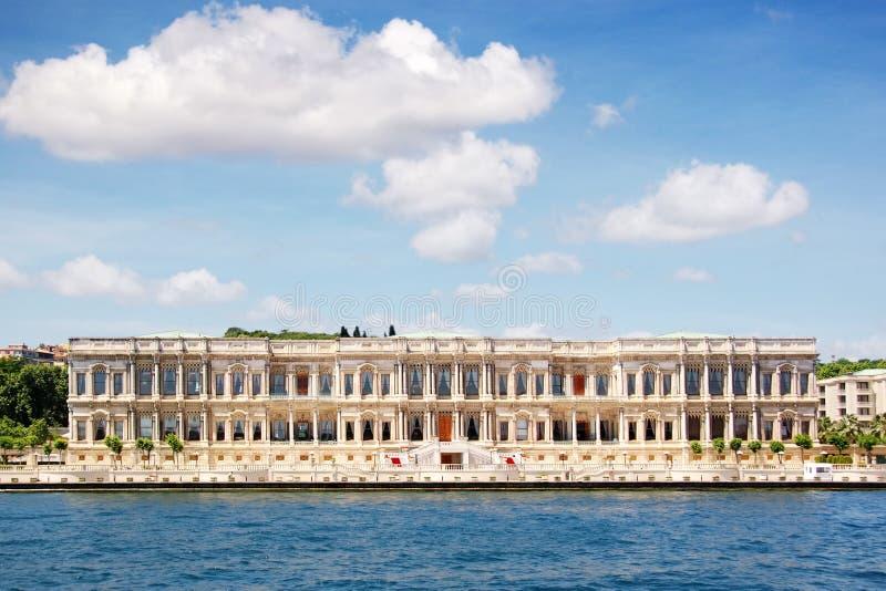 ciragan дворец стоковая фотография
