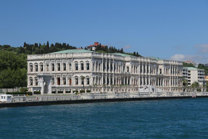Ciragan slott i den Istanbul staden, Turkiet royaltyfria foton