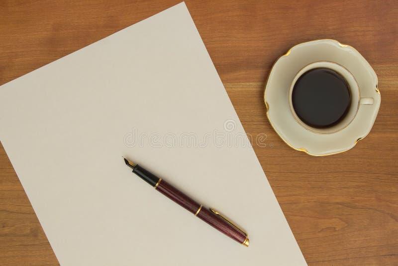 Circa per scrivere una lettera fotografie stock