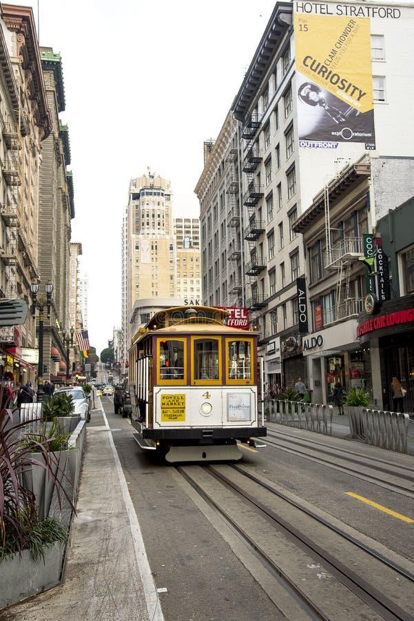 """Circa 2016 van San Francisco, Californië, Verenigde Staten †""""- Marktstraat en de Werf San Francisco Cable C van Powell Fisherma stock foto's"""