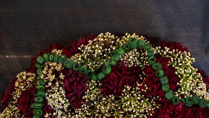 circlet цветков гвоздики стоковые фотографии rf