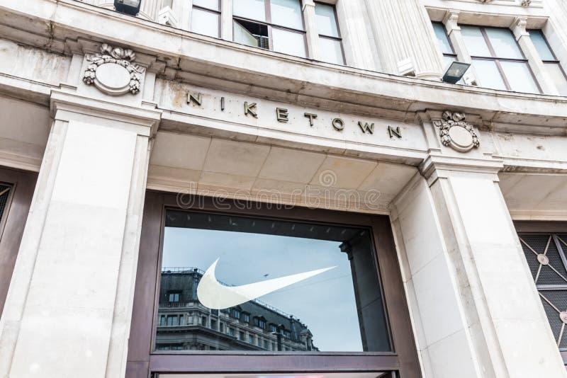 Circo de oxford da cidade de Nike fotografia de stock royalty free