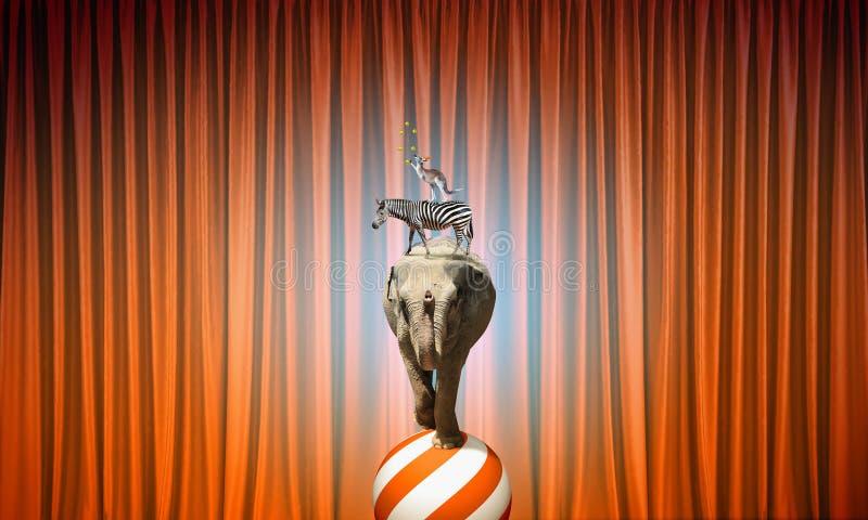 Circo en ciudad libre illustration