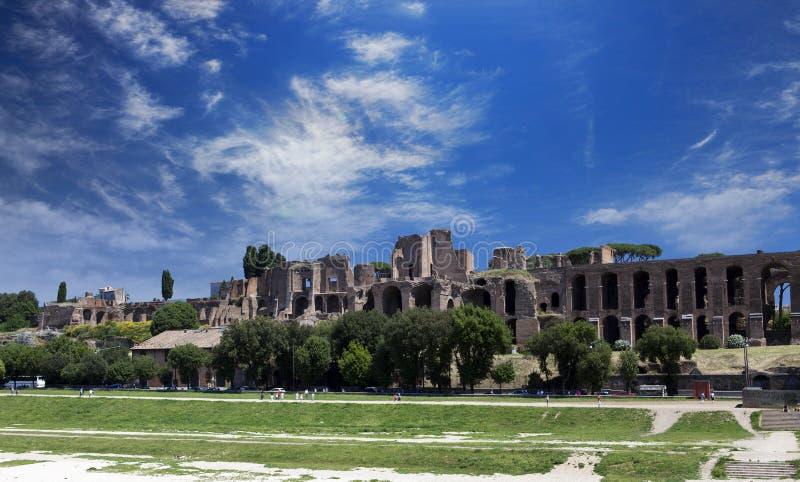 Circo Maximus Ruínas do monte de Palatine, Roma, Itália fotografia de stock royalty free