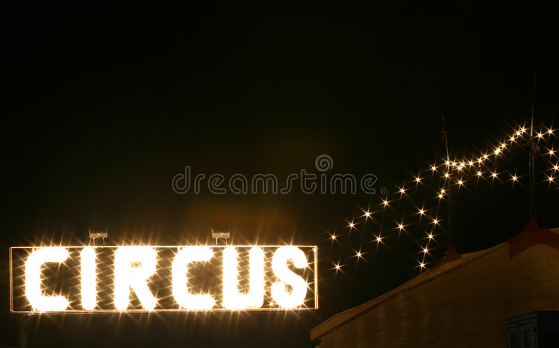 Circo na noite foto de stock royalty free