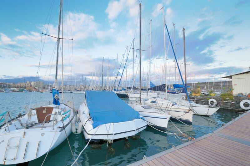 Circolo Nautico NIC Porto di Catania - Sicilia Itália Italia - terras comuns criativas pelo gnuckx fotos de stock