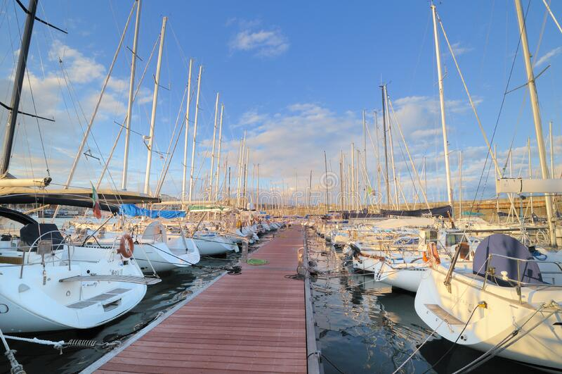 Circolo Nautico NIC Porto di Catania Sicilia Italy Italia - terras comuns criativas pelo gnuckx fotos de stock