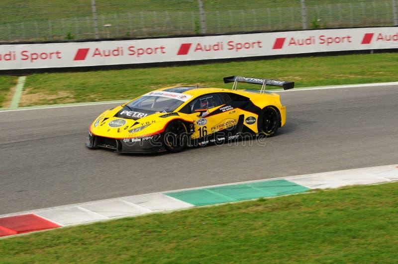 Circuito de Mugello, Itália - 6 de outubro de 2017: Lamborghini Huracan de Petri Corse Motorsport Team conduzido por Baruch Bar - imagens de stock royalty free