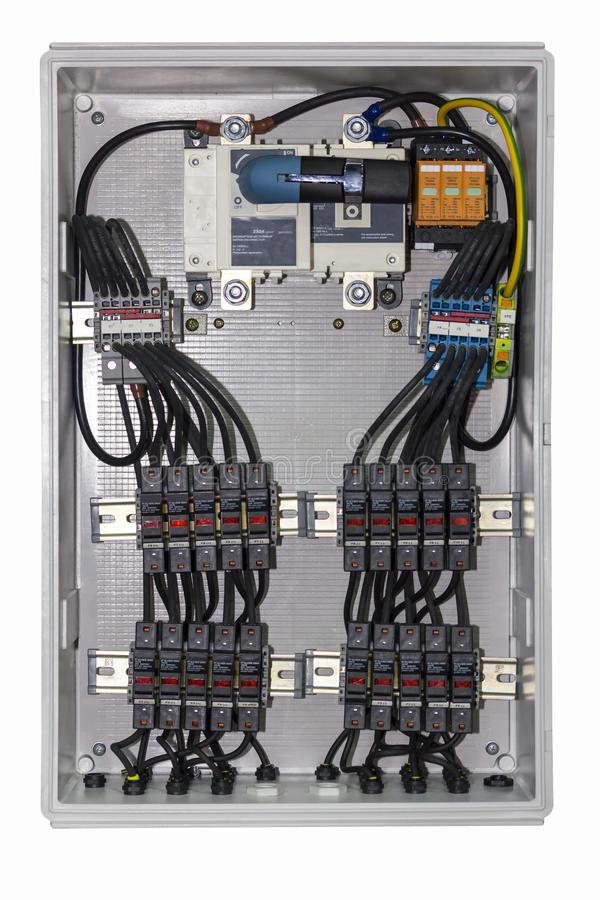 Circuito di controllo elettrico in scatola per l'industriale isolata su fondo bianco fotografie stock libere da diritti
