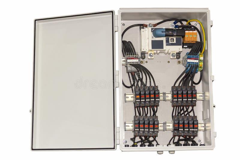 Circuito di controllo elettrico in scatola per l'industriale isolata su fondo bianco fotografia stock