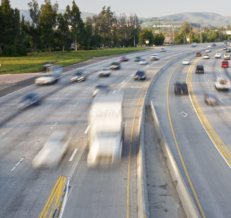 Circulation d'autoroute photographie stock libre de droits