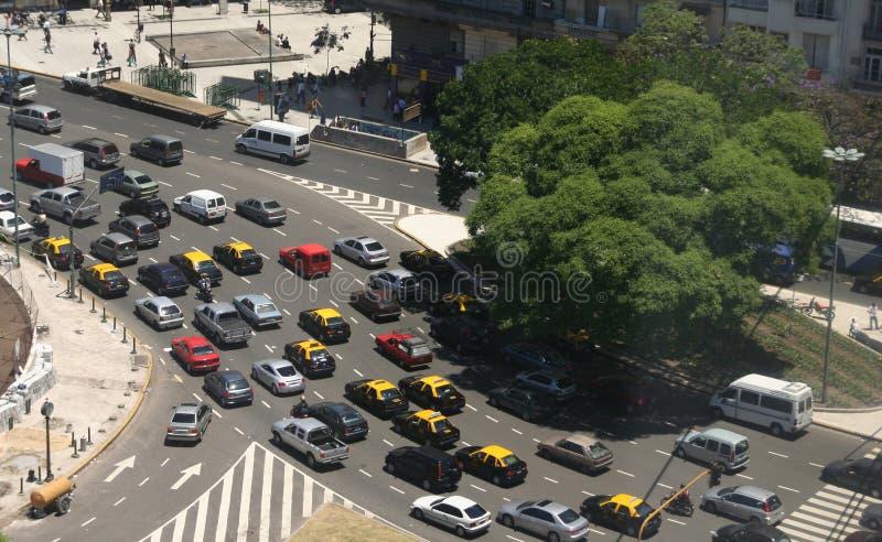 Circulation d'heure de pointe, taxis, vue aérienne image libre de droits