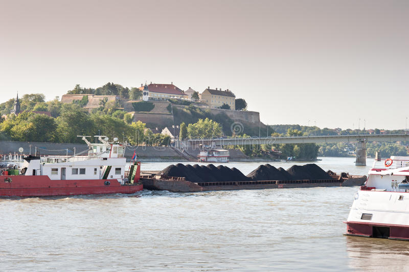 Circulation de fret de fleuve photographie stock