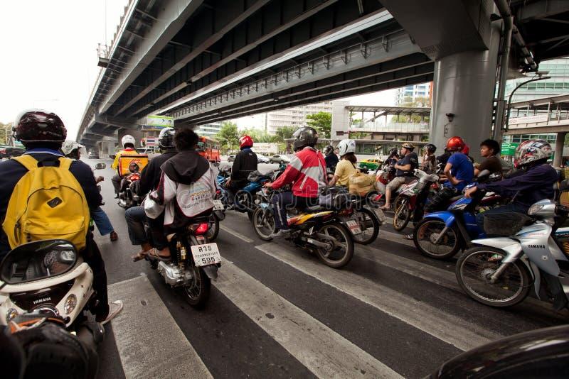 Circulation de motocyclette à Bangkok photographie stock