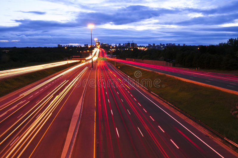 Circulation de nuit photographie stock libre de droits