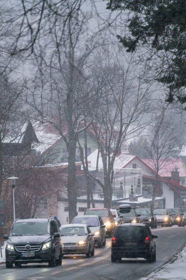 Circulation dense en hiver en Pologne photographie stock