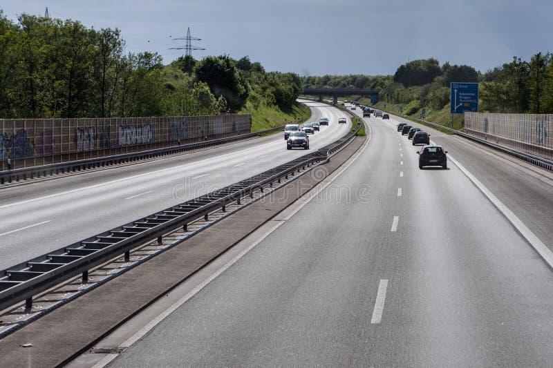 circulation routière sur une autoroute allemande photo libre de droits