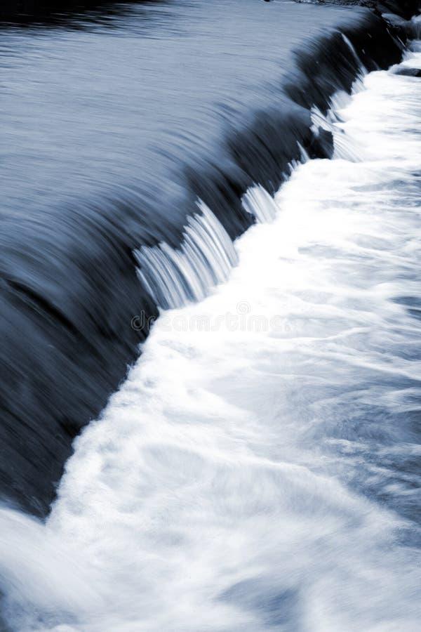 Download Circuler de l'eau photo stock. Image du lisse, nature - 4350126