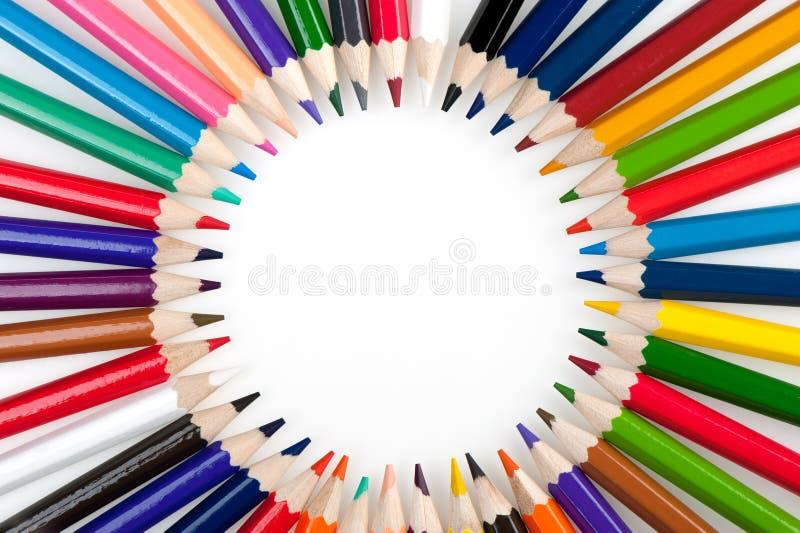 Cirkel van kleurenpotloden stock foto's