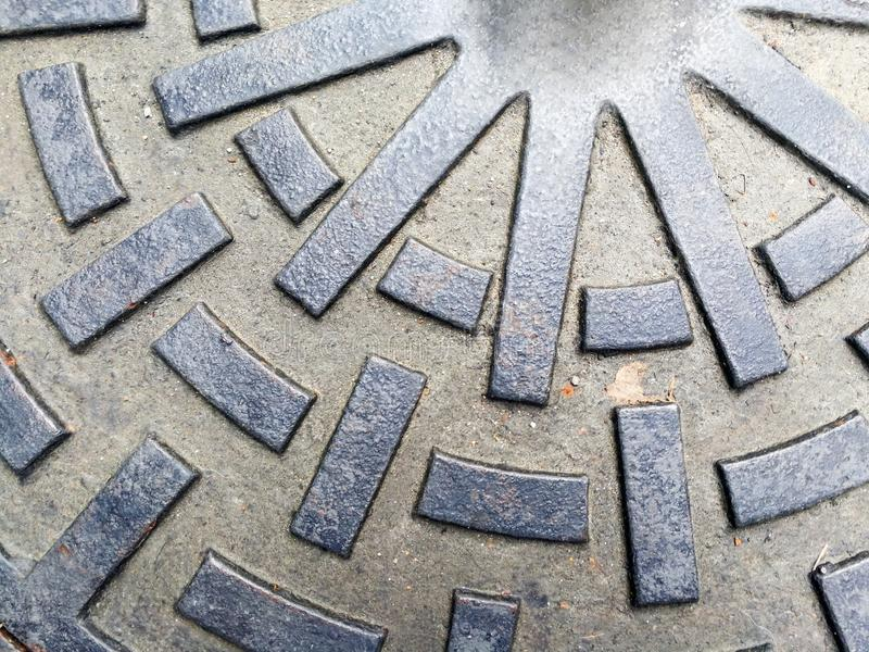 Cirkelavrinningslang som göras från stål arkivbilder