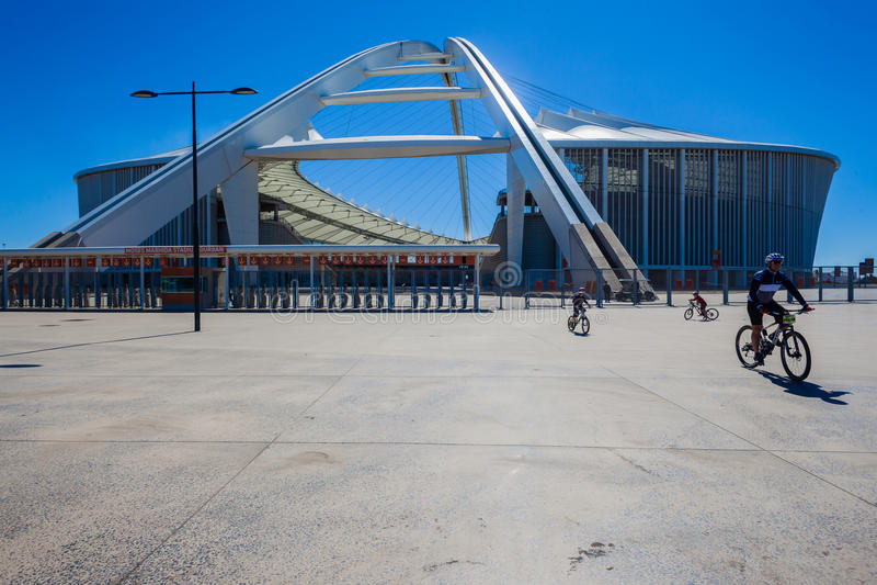 Cirkelende Vader Sons Stadium Colors stock foto