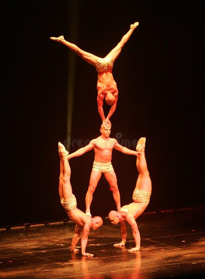 Cirque du Soleil executa foto de stock