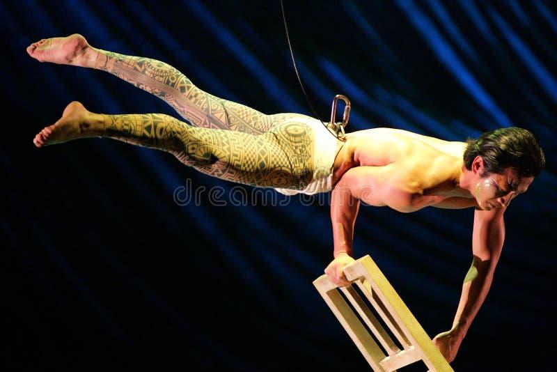 Cirque du Soleil voert ` Kooza ` uit stock foto